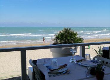 Lekker eten op het strand