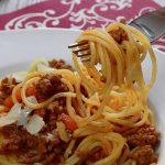Vers gemaakte pasta met ragù saus